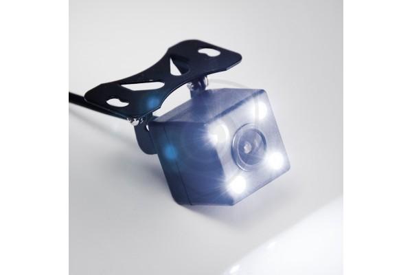 Univerzálna parkovacia kamera UNI-CUBE so zabudovaným LED osvetlením pri cúvaní