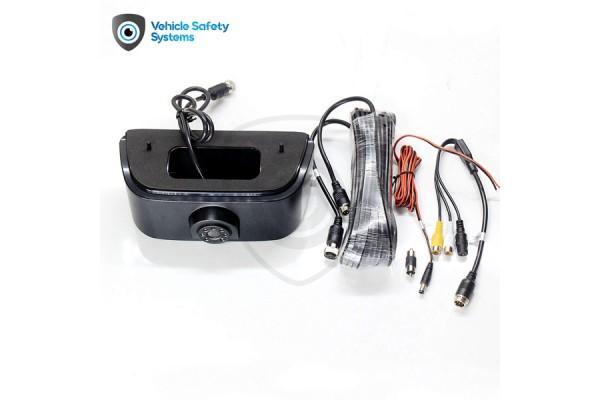 Cúvacia kamera Nissan NV200 v brzdovom svetle
