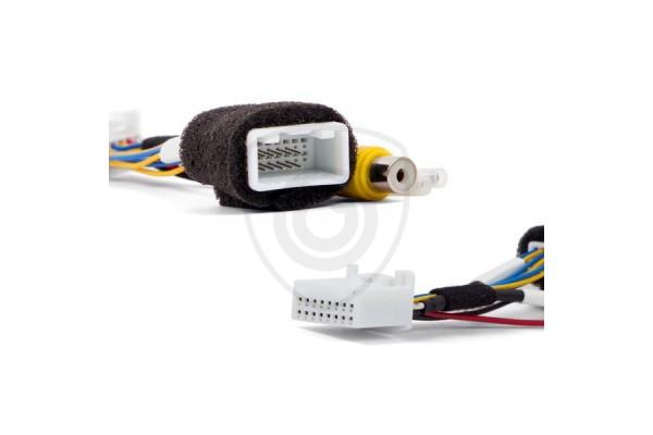 Káblový adaptér na pripojenie cúvacej kamery k monitoru Toyota a Subaru