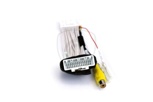 Káblový adaptér na pripojenie cúvacej kamery k monitoru Mazda