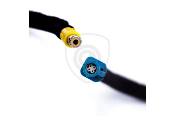 Káblový adaptér na pripojenie cúvacej kamery k monitoru Ford Sync 1