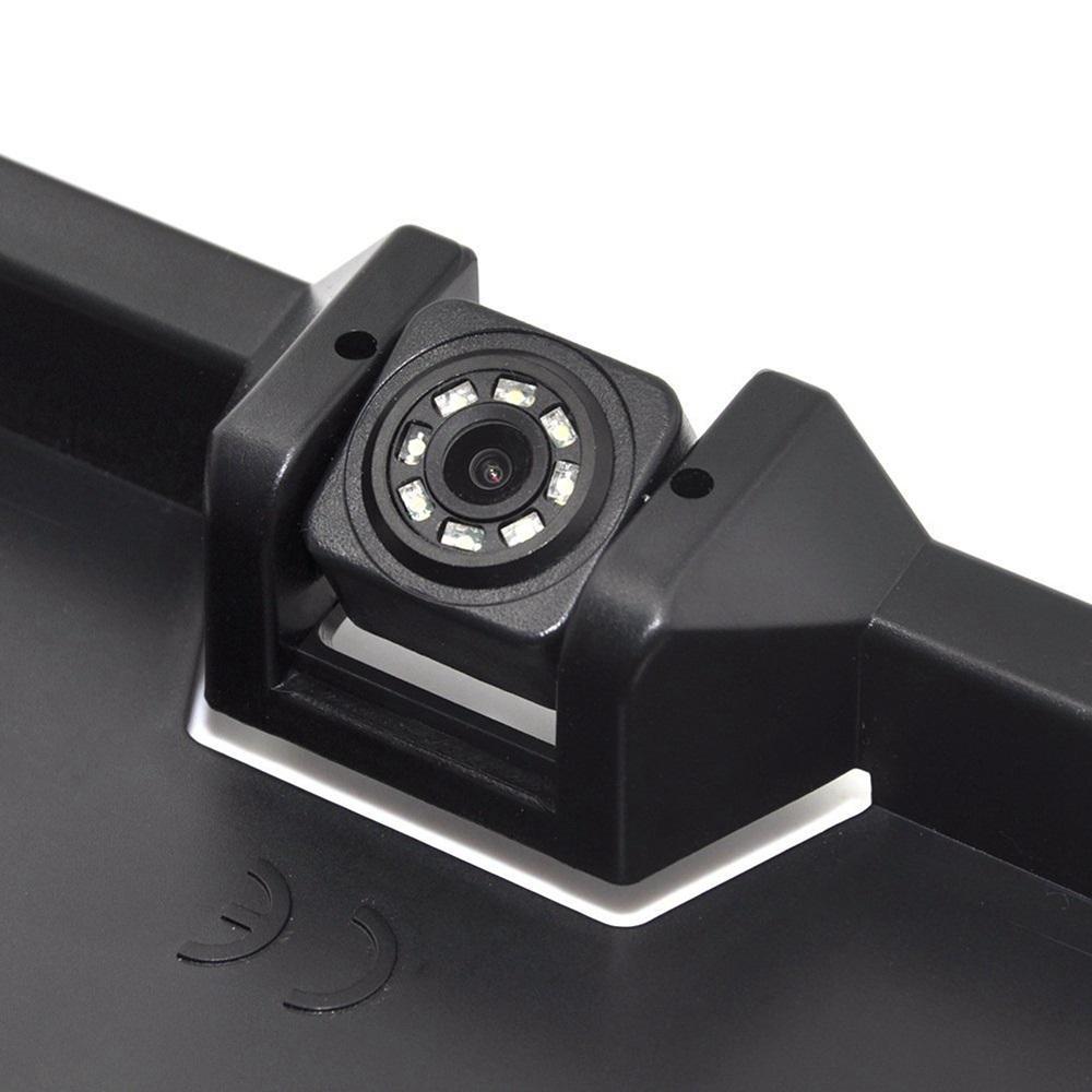 Parkovacie senzory v držiaku ŠPZ s cúvacou kamerou